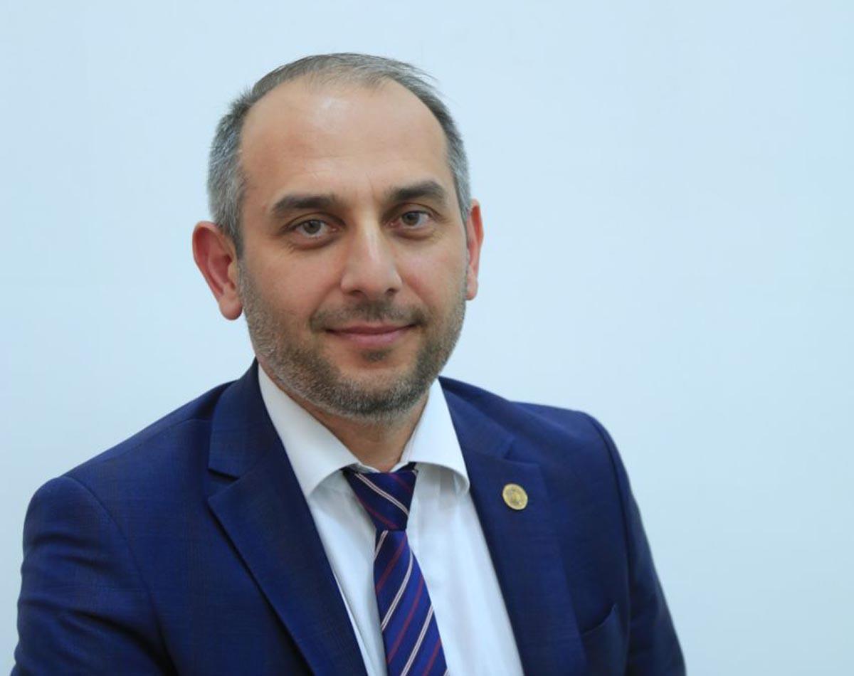 Сегодня у заместителя министра Алихана Эдиева День рождения