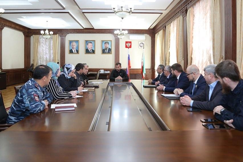 Под председательством заместителя Председателя Правительства Чеченской Республики Хож-Бауди Дааева, прошло заседание Оперативного штаба по противодействию распространения новой коронавирусной инфекции на территории ЧР